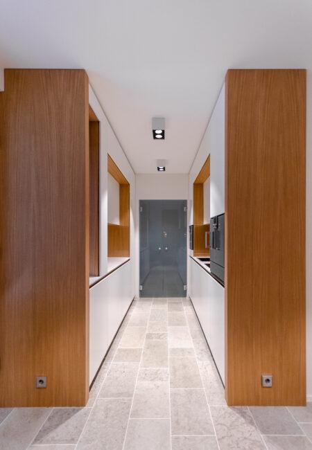 Arkkitehdin suunnittelema keittiöremontti Helsingissä