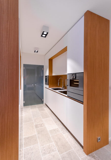 Yksityisasunnon keittiöremontti Helsingissä